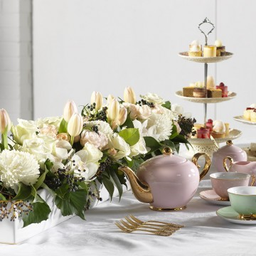Floral tea decoration and table setting